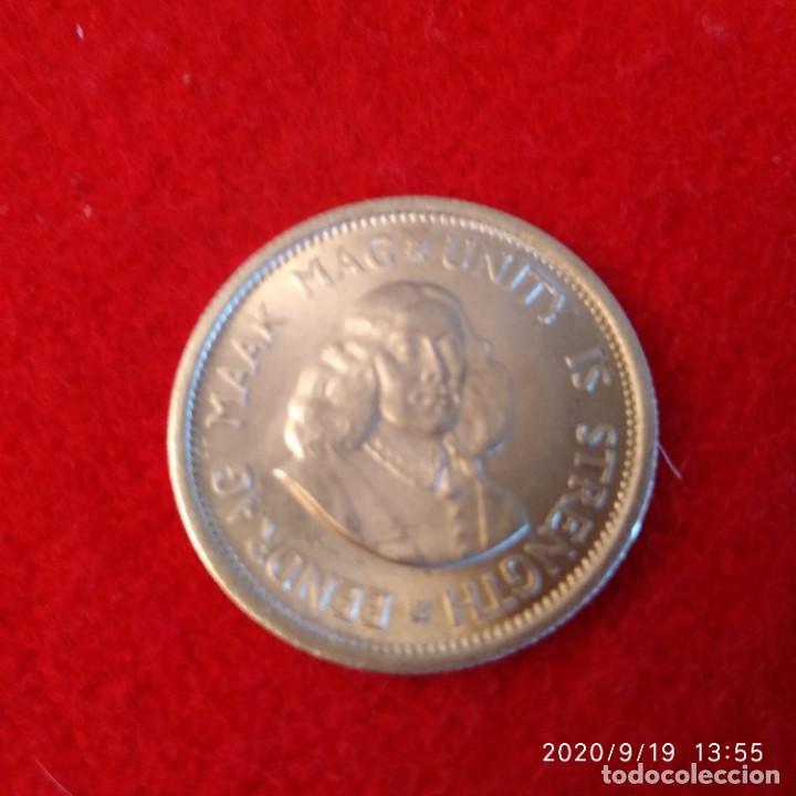 MONEDA DE PLATA DE SUD ÁFRICA, DE 10 CTS. DE 1963, BUEN EJEMPLAR , VER FOTOS. (Numismática - Extranjeras - África)