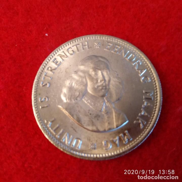 MONEDA DE PLATA DE SUD ÁFRICA, DE 20 CTS. DE 1964, BUEN EJEMPLAR , VER FOTOS. (Numismática - Extranjeras - África)