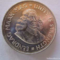 Monnaies anciennes d'Afrique: SUDAFRICA . 50 CENTS DE PLATA MUY ANTIGUOS . AÑO 1963 . MODULO ONZA . 28,28 GRAMOS. Lote 226250655