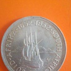 Monedas antiguas de África: MONEDA 5 SHILLINGS SOUTH AFRICA 1952 PLATA TEMA BARCOS. Lote 278404243