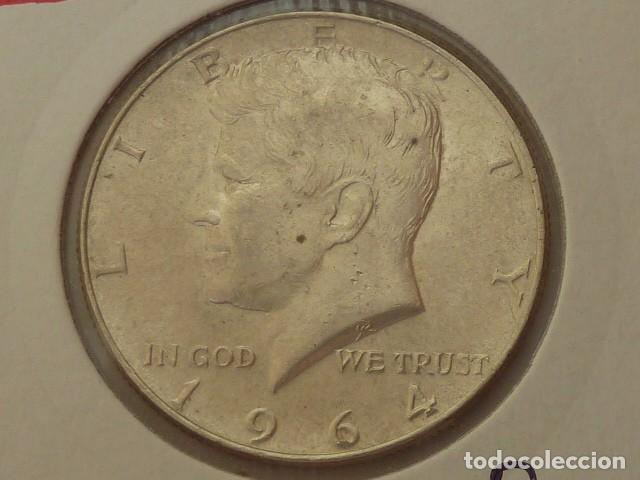 MONEDA DE PLATA DE 1/2 DOLAR AMERICANO 1964 CECA FILADELFIA, ESTADOS UNIDOS KENNEDY (Numismática - Extranjeras - América)