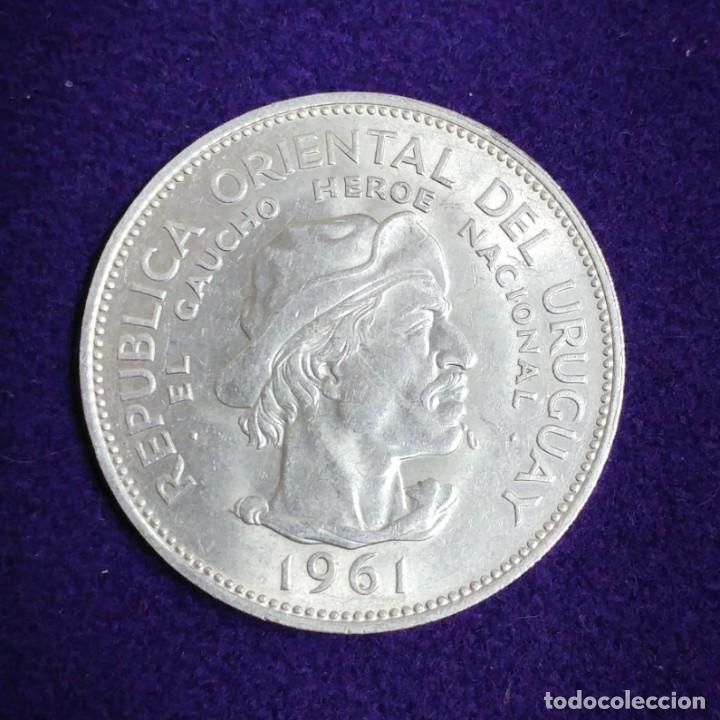 MONEDA DE PLATA DE URUGUAY. 10 PESOS. 1961. SIN CIRCULAR. EL GAUCHO. SILVER. SESQUICENTENARIO 1811. (Numismática - Extranjeras - América)