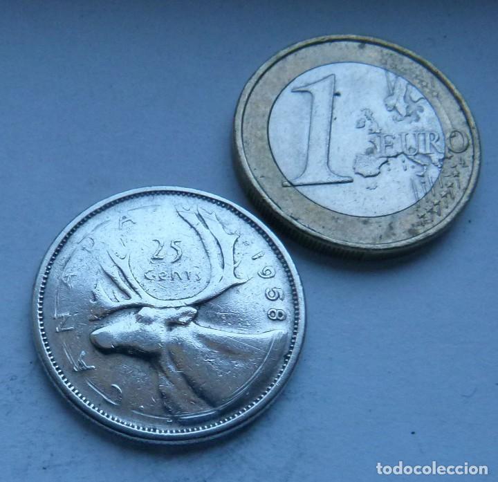 MONEDA DE PLATA DE 25 CENTAVOS DE CANADA AÑO 1958 (Numismática - Extranjeras - América)