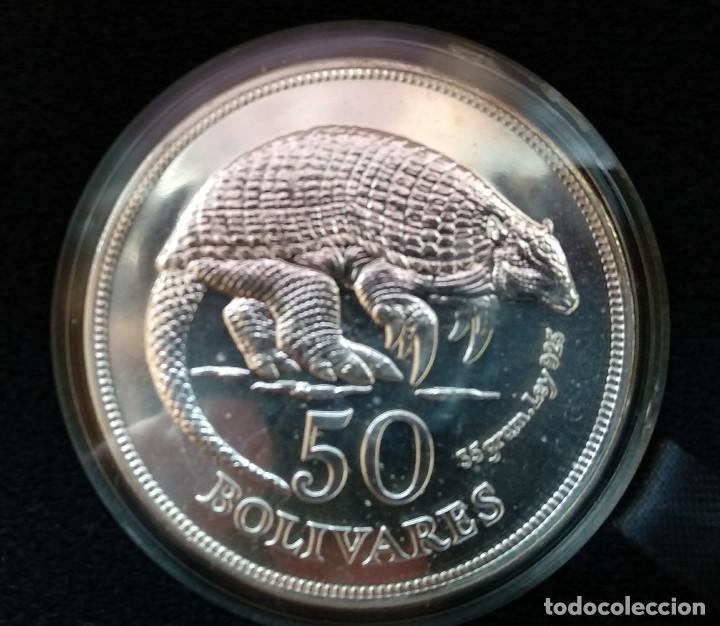 Monedas antiguas de América: VENEZUELA set plata 25 y 50 bolivares 1975 JAGUAR y ARMADILLO - Foto 2 - 146619366