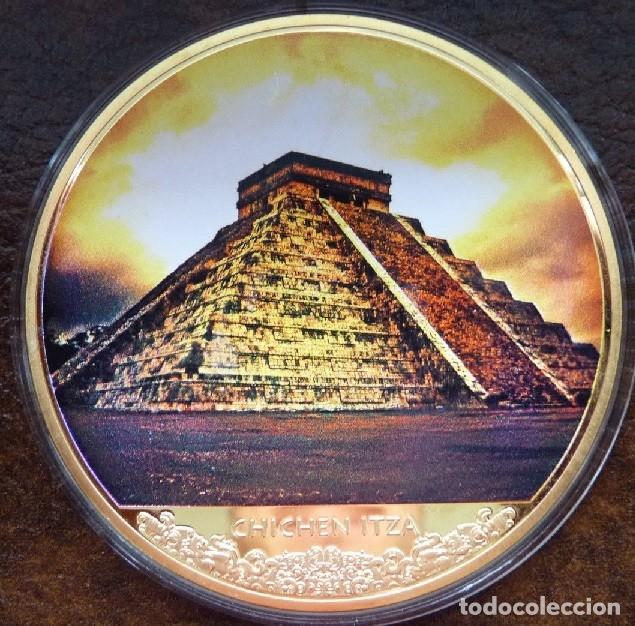 MUY BONITO MEDALLON CON ORO DEL TEMPLO DE KUKULKÁN CIUDAD MAYA CHICHÉN ITZÁ (Numismática - Extranjeras - América)