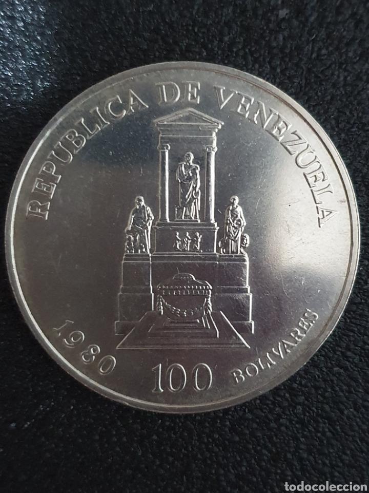 Monedas antiguas de América: Moneda conmerativa de los 100 años de la muerte de Bolivar. Plata. Pesa 22 gramos - Foto 3 - 276217468