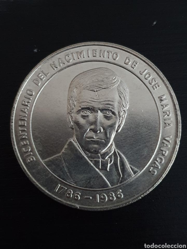 BICENTENARIO DEL NACIMIENTO DE JOSÉ MARIA VARGAS. 1ONZA. PLATA. PESA 31,10 GRAMOS. (Numismática - Extranjeras - América)
