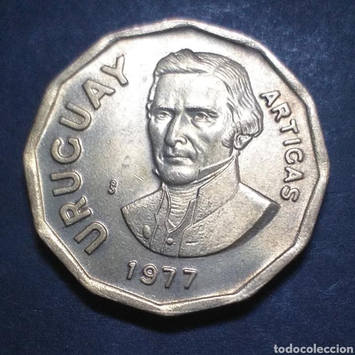 MONEDA NUEVO PESO 1 URUGUAY AÑO 1977 ARTIGAS (Numismática - Extranjeras - América)