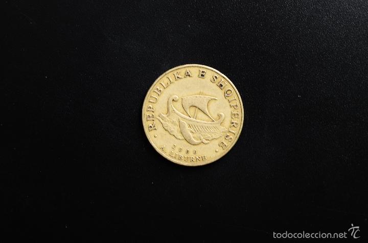 REPUBLICA SHKIPERISE - 20 LEKE - 2000 - MBC (Numismática - Extranjeras - Asia)