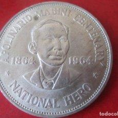 Monedas antiguas de Asia: FILIPINAS. UN PESO DE PLATA.1964. 100 Aº NACIMIENTO DE APOLINARIO MABINI. Lote 93081175