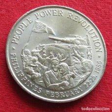 Monedas antiguas de Asia: FILIPINAS 10 PESOS 1988 REVOLUCIÓN. Lote 130208547