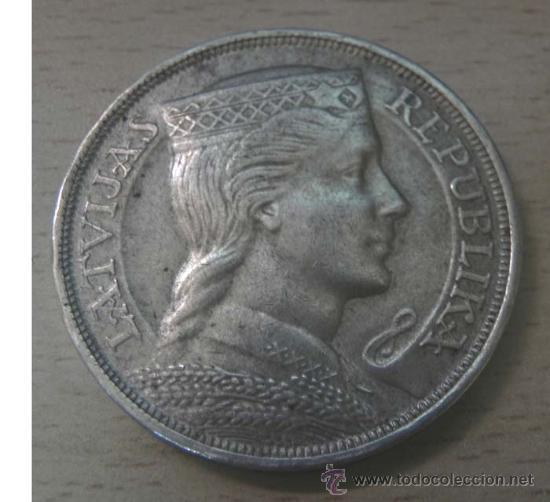 MONEDA DE PLATA DE LA REPÚBLICA LATVIJAS POR VALOR DE 5 PIECI LATI EN (PLATA) 1931, 36MM - 25GR - E (Numismática - Extranjeras - Europa)
