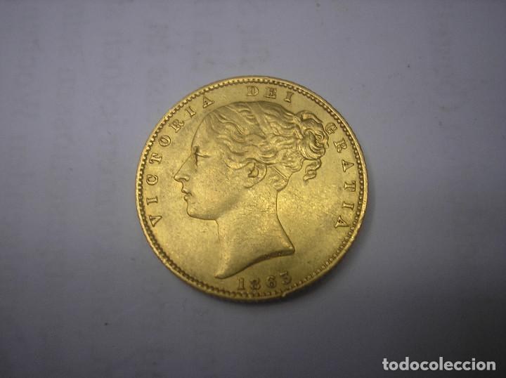 GRAN BRETAÑA, 1 LIBRA DE ORO CON ESCUDO DE 1863, REINA VICTORIA (Numismática - Extranjeras - Europa)