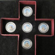 Monedas antiguas de Europa: MUY CURIOSA COLECCION MONEDAS CON EL PAPA JUAN PABLO II EN ESTUCHE CON FORMA DE CRUCIFIJO. Lote 64770187