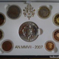 Monedas antiguas de Europa: ESTUCHE DE LUJO, EUROS VATICANO PROOF 2007, LOS 8 VALORES DEL AÑO Y UNA MEDALLA DE PLATA. Lote 72014567