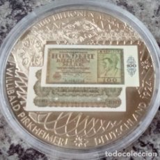 Monedas antiguas de Europa: BONITA MONEDA CON LA IMAGEN DE UN BILLETE DE 100 BILLONES DE MARCOS ALEMANES DE 1924 DESPIDE MONEDA. Lote 73448219