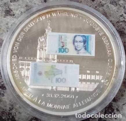 MONEDA PLATA CON LA IMAGEN DE UN BILLETE DE 100 DM ALEMAN DE CLARA SCHUMANN DESPIDE MONEDA ALEMANA (Numismática - Extranjeras - Europa)