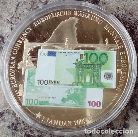 MONEDA PLATA CON LA IMAGEN DE UN BILLETE DE 100 € CONMEMORANDO EL PRIMER BILLETE 1 DE ENERO DEL 2002 (Numismática - Extranjeras - Europa)