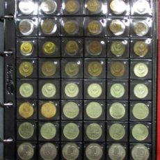 Monedas antiguas de Europa: RUSIA (U.R.S.S.). ALBUM CONTENIENDO UNA COLECCIÓN DE 134 MONEDAS VARIADAS. LOTE 0633. Lote 98145859