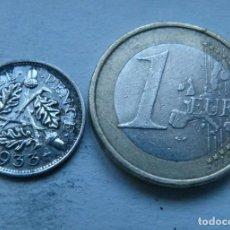 Monedas antiguas de Europa: MONEDA DE PLATA DE 3 PENIQUES DEL REY JORGE V DE GRAN BRETAÑA AÑO 1933. Lote 104319847