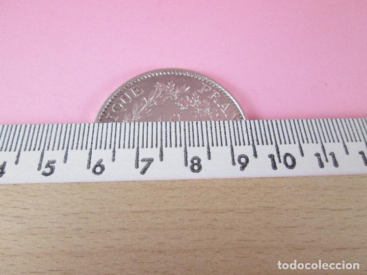 Monedas antiguas de Europa: lote 3 monedas-50 francs 1976-50 francs 1977-10 francs 1966-república francesa-excelente estado - Foto 9 - 106100895