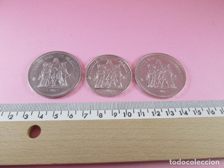 Monedas antiguas de Europa: lote 3 monedas-50 francs 1976-50 francs 1977-10 francs 1966-república francesa-excelente estado - Foto 14 - 106100895