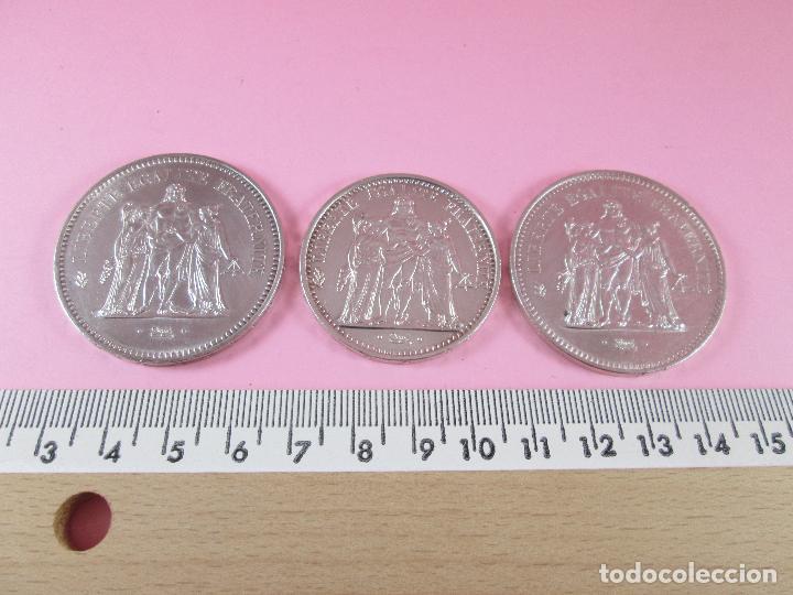 Monedas antiguas de Europa: lote 3 monedas-50 francs 1976-50 francs 1977-10 francs 1966-república francesa-excelente estado - Foto 15 - 106100895