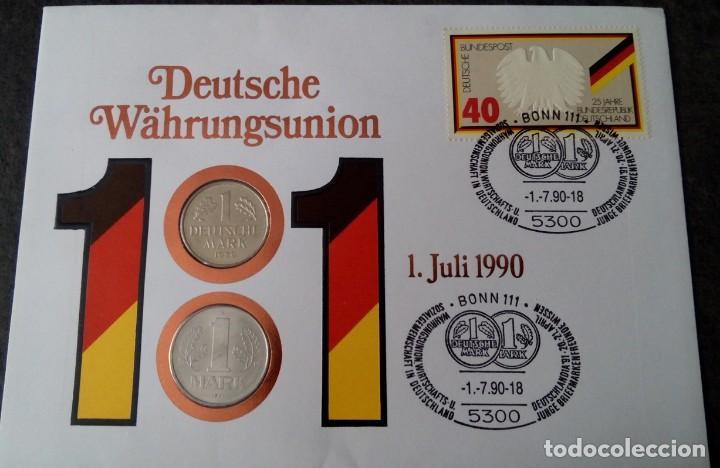 CARTA NUMISMATICA CON 2 MONEDAS DE 1 MARCO DE CADA ALEMANIA POR LA UNIFICACION DE LA MONEDA (Numismática - Extranjeras - Europa)