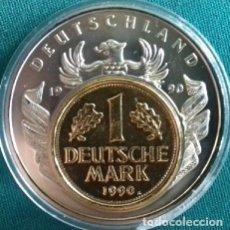 Monedas antiguas de Europa: CURIOSA MONEDA PLATA CON UNA MONEDA DE 1 DM SOBRE ELLA DE ALEMANIA 1990 EDICION LIMITADA. Lote 137597050