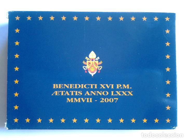 Monedas antiguas de Europa: Estuche de lujo, Euros Vaticano proof 2007, los 8 valores del año y una medalla de plata - Foto 3 - 72014567