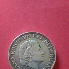 Monedas antiguas de Europa: HOLANDA. 2 1/2 GULDEN DE 1962. PLATA. 15 GRAMOS.. Lote 141532569