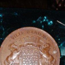 Monedas antiguas de Europa: MEDALLA CIUDAD DE AMIENS FIRMADA R DANTZELL DESDE 1862 BRONCE, 70 GR 5 CM 1862. Lote 156994242