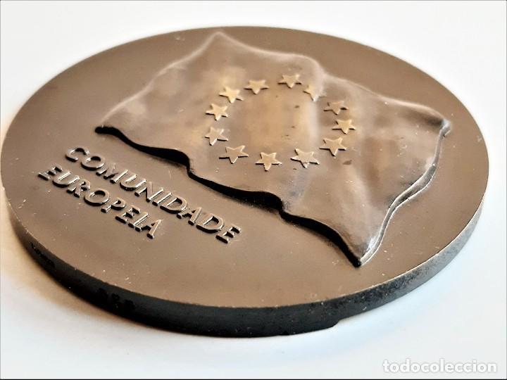 Monedas antiguas de Europa: MEDALLON BRONCE PORTUGAL LISBOA 1990 XVIII ESTADOS GERAIS DOS MUNICIPIOS E REGIOES DA EUROPA- 60.MM - Foto 3 - 195312147