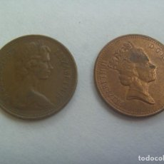 Monedas antiguas de Europa: LOTE DE 2 MONEDAS DE 1 PENNY DEL REINO UNIDO CON IMAGEN DE LA QUEEN ISABEL, 1975 Y 1989. Lote 236074795