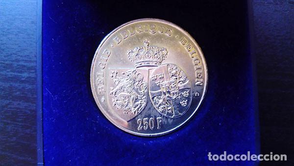 Monedas antiguas de Europa: BÉLGICA 250 FRANCOS 1995 ( SC ) KM # 199 - 60 ANIVERSARIO DE LA MUERTE DE LA REINA ASTRID - PLATA - Foto 2 - 221437585