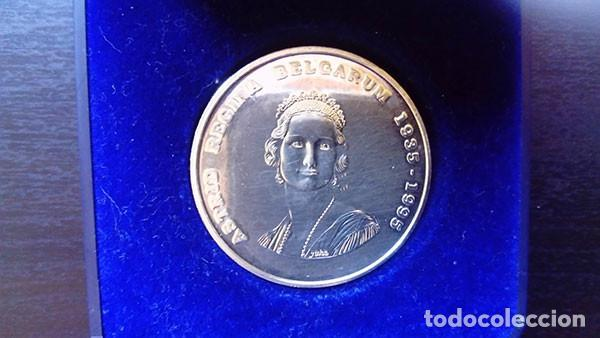 Monedas antiguas de Europa: BÉLGICA 250 FRANCOS 1995 ( SC ) KM # 199 - 60 ANIVERSARIO DE LA MUERTE DE LA REINA ASTRID - PLATA - Foto 3 - 221437585
