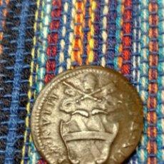 Moedas antigas da Europa: BONITO QUATTRINO 1738 VIII VATICANO PAPA CLEMENTE XI ROMA. Lote 263773210