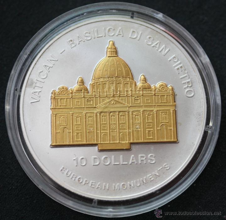 NAURU 10 DOLARES 2003 BASILICA DE SAN PEDRO (Numismática - Extranjeras - Oceanía)