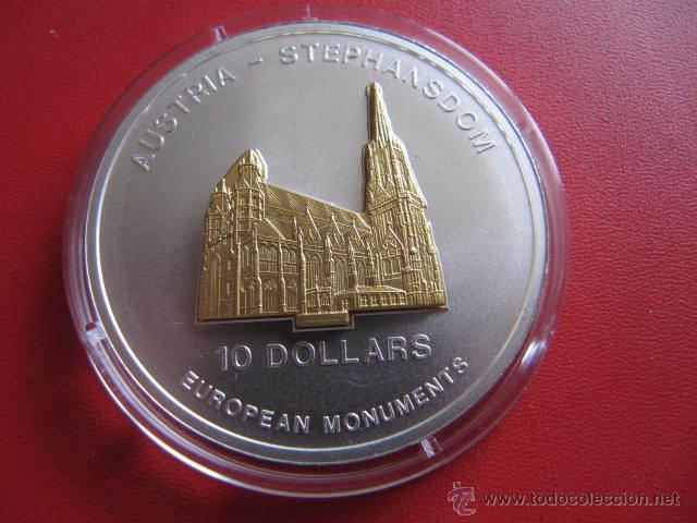 NAURU 10 DOLARES 2005 STEPHANSDOM (Numismática - Extranjeras - Oceanía)
