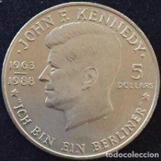 Monedas antiguas de Oceanía: 5 DOLLARS NIUE 1988 CON JOHN F KENNEDY Y LA FAMOSA FRASE ICH BIN EIN BERLINER - YO SOY UN BERLINES. Lote 76761855