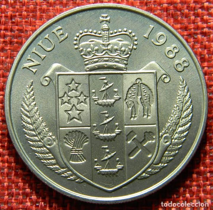 NIUE 1988 – 5 DOLLARS – VIII EUROPEAN FOOTBALL CHAMPIONSHIP – GERMANY – KRAUSE KM# 12 (Numismática - Extranjeras - Oceanía)