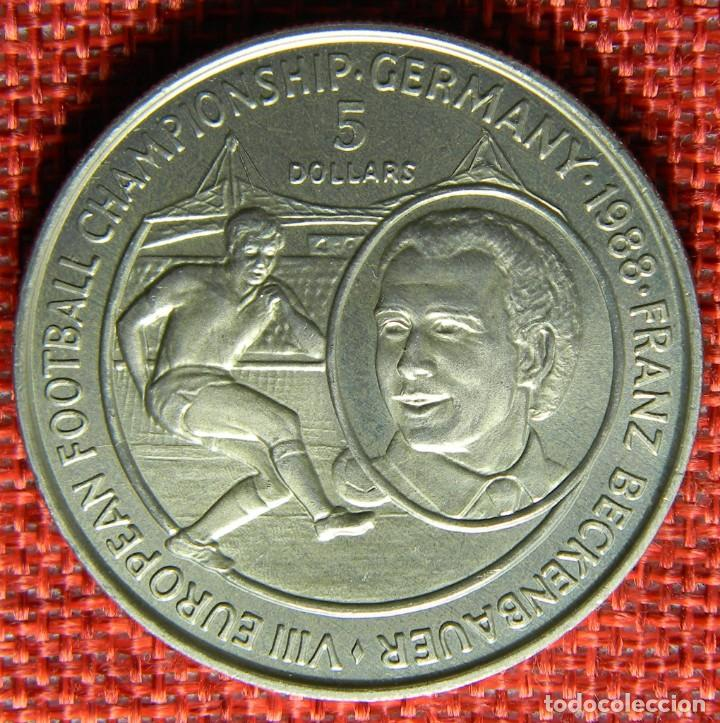 Monedas antiguas de Oceanía: Niue 1988 – 5 Dollars – VIII European football Championship – Germany – Krause Km# 12 - Foto 2 - 147513438