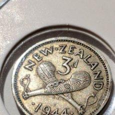 Monete antiche di Oceania: MONEDA PLATA NUEVA ZELANDA. 3 PENIQUES 1944. JORGE VI. Lote 235320215