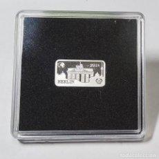 Monedas antiguas de Oceanía: LINGOTE DE PLATA DE ISLAS SALOMON 1/2 DOLAR DEL 2015.SON 2,5 GRAMOS DE PLATA PURA DE LEY 9999. PROOF. Lote 262590125