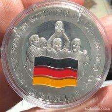 Monedas antiguas de Oceanía: ISLAS COOK 1 DÓLAR 2001 CONMEMORATIVA MUNDIAL DE FÚTBOL KOREA 2002 ALEMANIA CAMPEÓN 1954 1974 1990. Lote 269276583