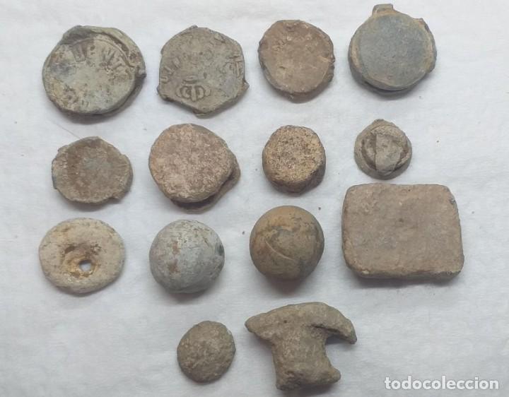 LOTE DE 14 PLOMOS DE SELLADO Y OTROS DIFERENTES (Numismática - Periodo Antiguo - Otras)