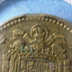 Coins with Errors - 1 pesetas de 1966 - Estado Español - Muesca en canto de moneda canto segmentado Lea -Variante - 26882504
