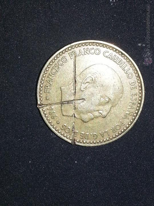 Monedas con errores: RAREZA Y ERROR DE ACUÑADO bocado 1 PESETA FRANCO con marcas - franco 1966 - Foto 6 - 50903719