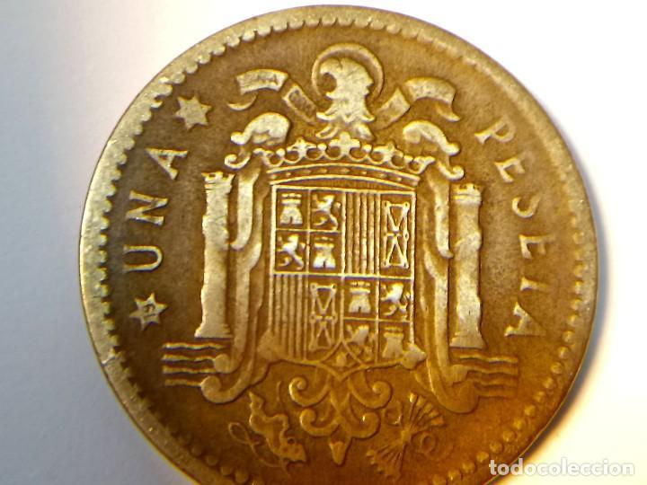 3 ERRORES EN LA MISMA MONEDA DE 1 PESETA DE 1953 (Numismática - España Modernas y Contemporáneas - Variedades y Errores)