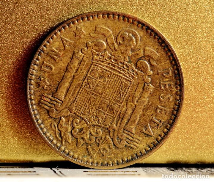 Monedas con errores: PESETA 1963*65: ERROR POR EMPASTE, LÍNEAS, Y EXCESOS DE MATERIAL EN GRÁFILA DEL REVERSO (REF. 328) - Foto 2 - 89798756